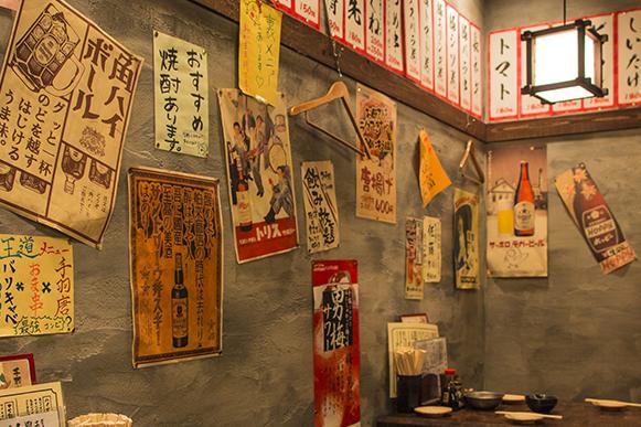 壁いっぱいのメニュー